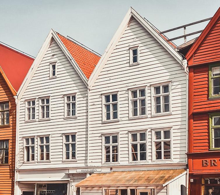 Picture 1 - Bryggen Bergen houses - credits Bea Fladstad