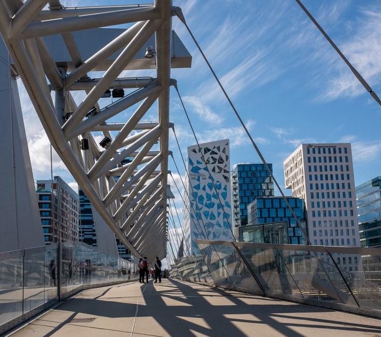 Picture 11 - Barcode bridge Oslo - free credits