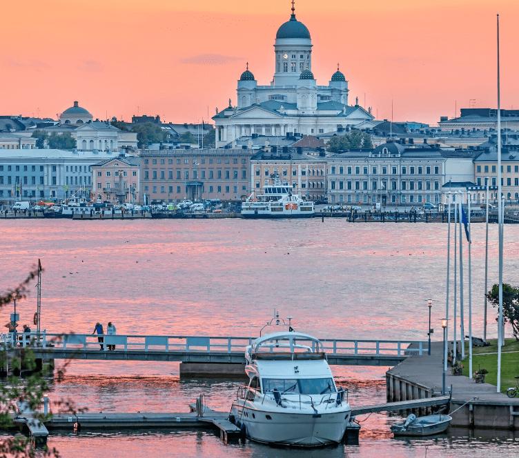 Hesinki-by-sunset_Finland_Helsinki_credits-Visit-Finland_AdobeStock