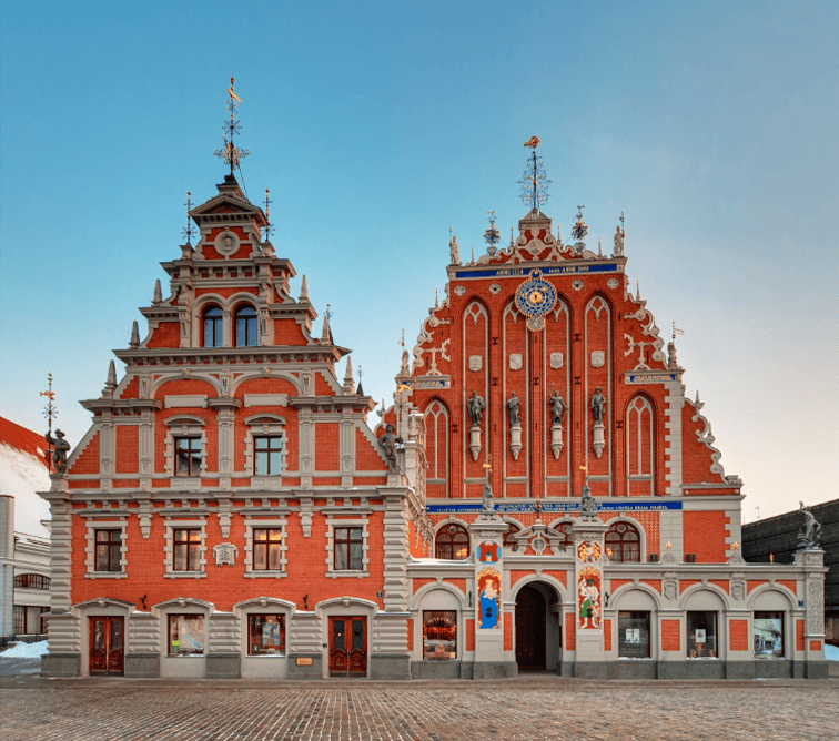 House-of-the-Blackheads-in-the-Old-Town-of-Riga---CREDITS-travel.latvia