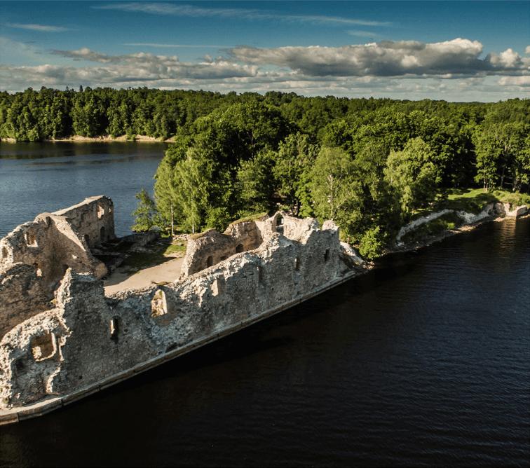Koknese-Castle-ruins---CREDITS-Kaspars-Daleckis-photography