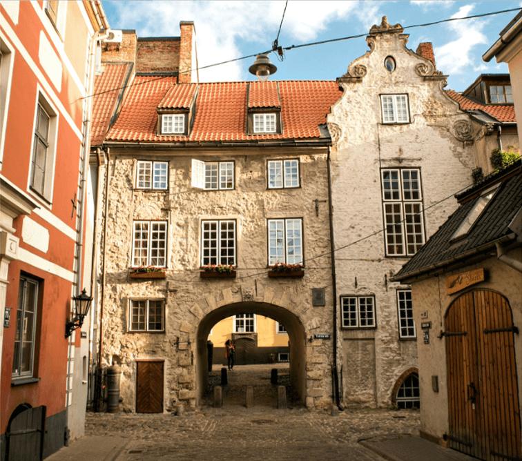 Swedish-Gate,-Riga-Old-Town---CREDITS-Jānis-Bautra