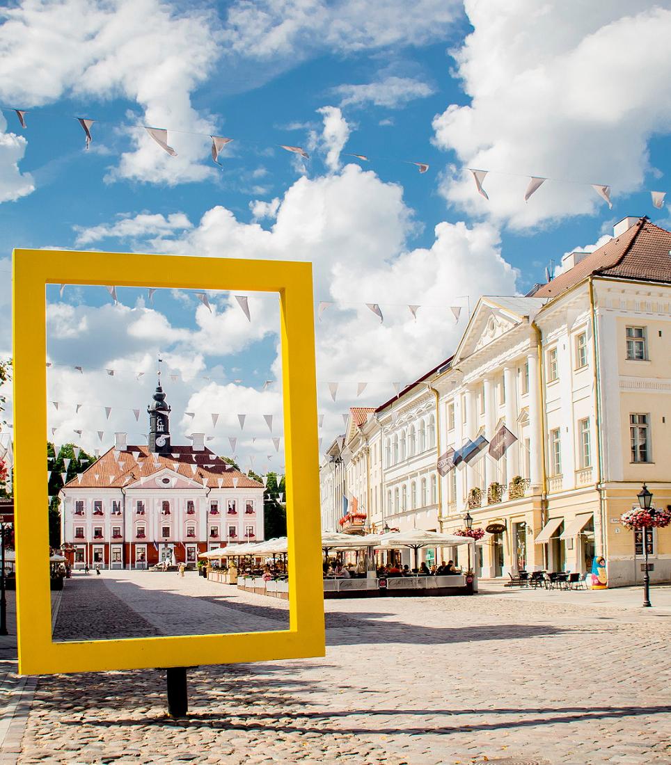 Tartu,,Tartumaa,,Estonia:,24.07.2018:,View,Through,National,Geographic,Yellow,Window