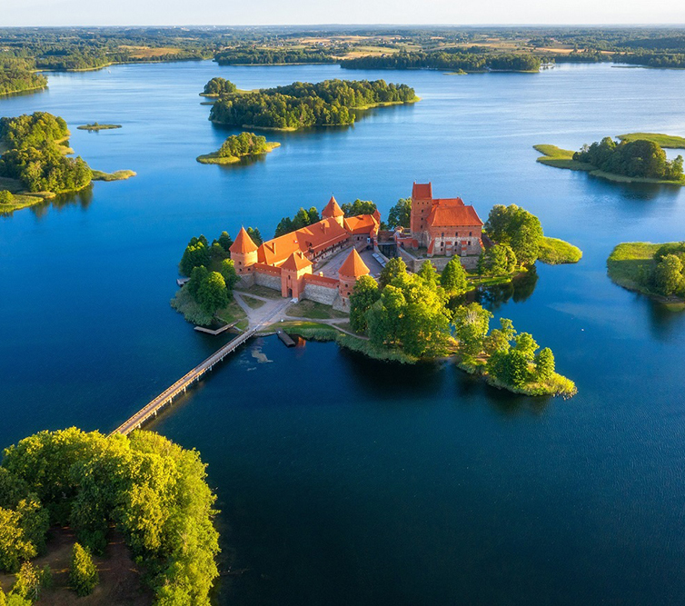 Trakai,Castle,In,Lithuania,Aerial,View.,Green,Islands,In,Lake